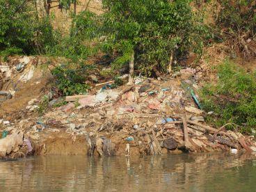 Les rivières sont souvent les dépotoirs...