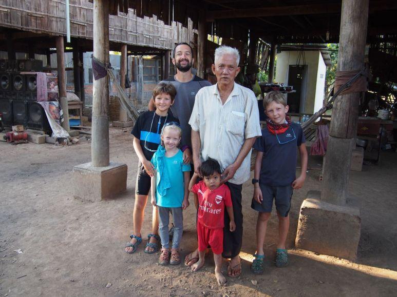 photo souvenir avec Cong Thon