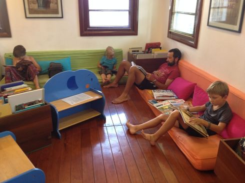 Les enfants en rêvaient: pause à la médiathèque de l'institut français