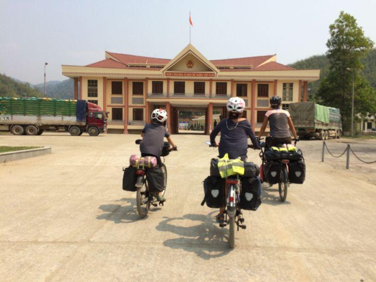 Arrivée au Vietnam : poste de Na Méo
