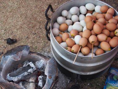 """Les """"oeufs omelettes"""" en brochette"""