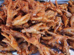 Pattes de poulets grillés, c'est moins fun