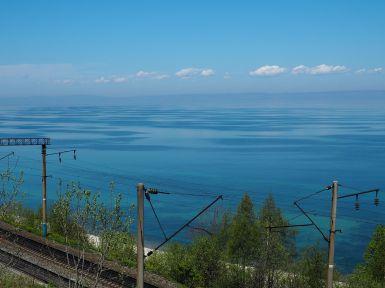 Le transsibérien passe au pied du Baïkal