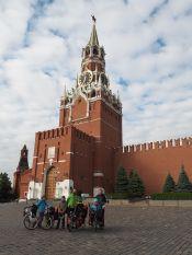 Devant le Kremlin sur la Place Rouge