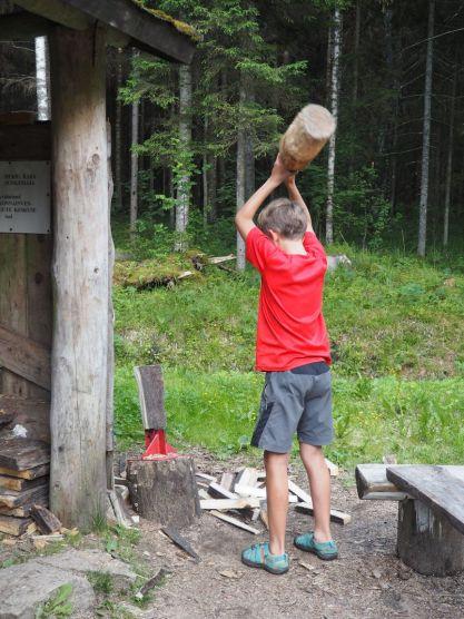 Un lieu de camping gratuit, avec bois à disposition!