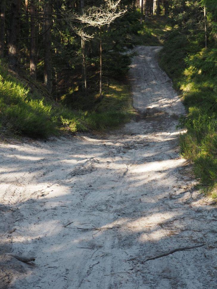 Impossible de rouler dans autant de sable et nous sommes trop loin maintenant pour rebrousser chemin?!