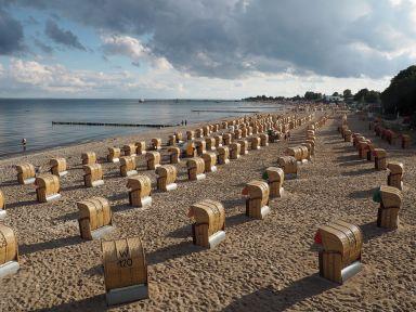 """Le """"banc-coffre"""" de plage : typiquement allemand"""