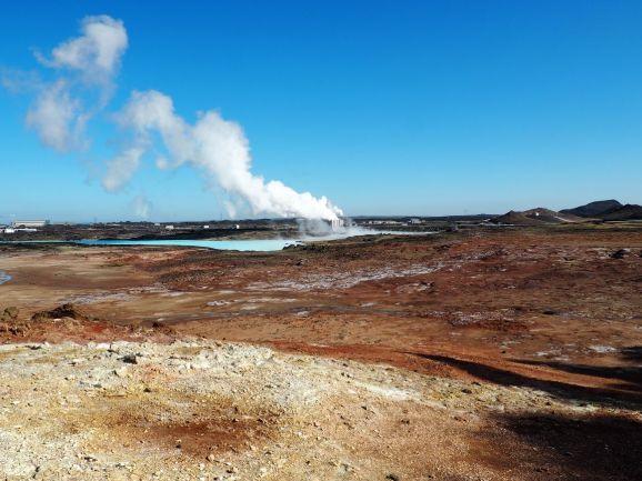 Un peu plus tard nous découvrons un autre effet de l'intense activité volcanique: la géothermie est au top en Islande !