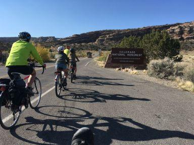 Premiers tours de roue pour visiter Colorado National Monument
