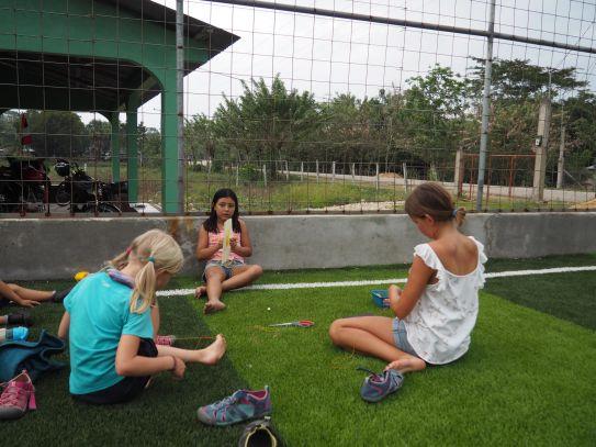Jeux créatifs entre filles
