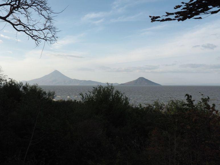 Les volcans sur le lac Xolotlan