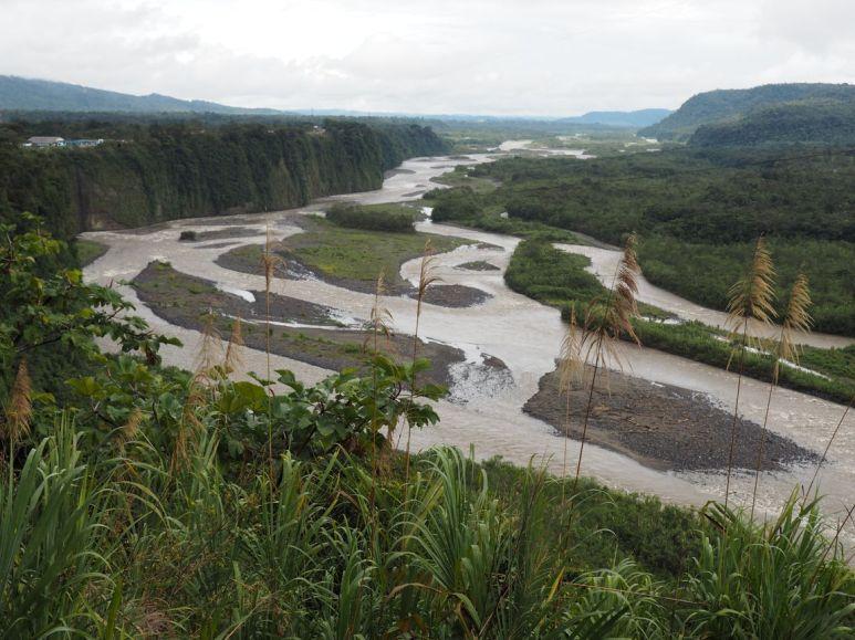 Rio Pastaza: large et boueux