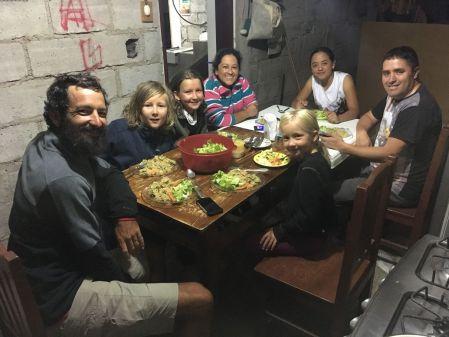 Super soirée chez nos hotes à Atuntaqui