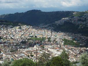Un peu comme Medellin, encaissé dans la vallée