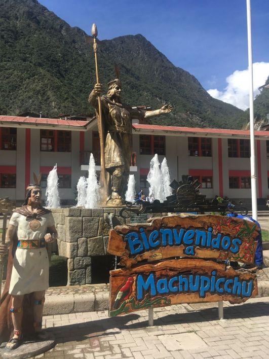 Arrivée au village hyper touristique (et sans charme) au pied de la montagne du Machu Picchu