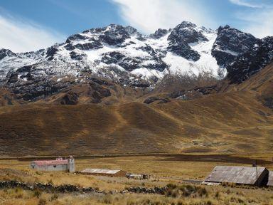 Par ici, les sommets andins oscillent entre 4500 et 6500 m. C'est impressionnant !