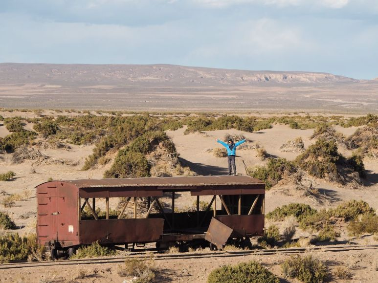Il y a bien une ligne de chemin de fer, mais plus un train ...