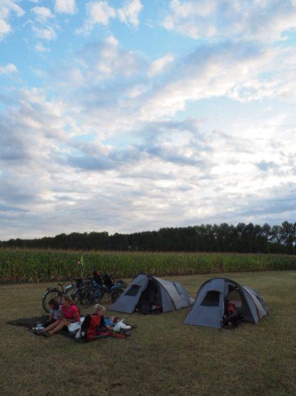 Camping dans les champs