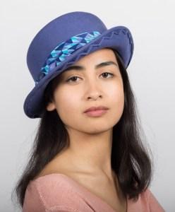 chapeau feutre bleu brodé