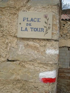 Place de la tour haut village