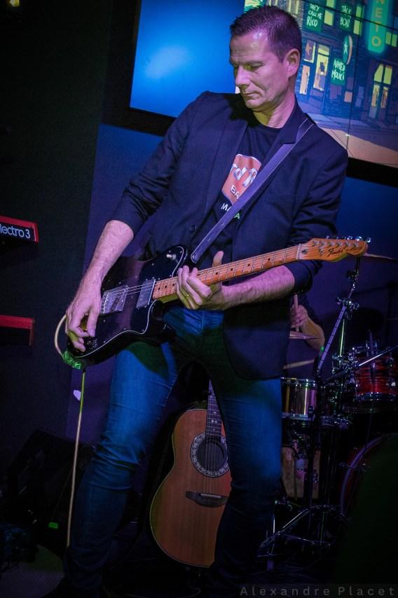 Concert au Hard Rock Café Guest : Fred Lutz (c) Alexandre Placet