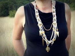 """""""Des noeuds"""" collier macramé et perles africaines"""