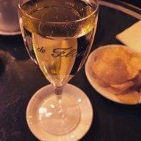Champagne (au Flore)