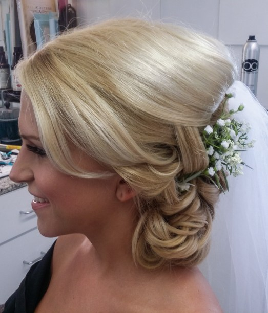Bride wedding hair and make up at Les Ciseaux St. Armands