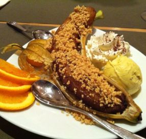 Acérola http://restaurant-acerola.com/ Le must des restaurants brésiliens. Un vrai coup de coeur pour cette cuisine fraîchement préparée, exotique à souhait et vraiment délicieuse. Le petit plu, de merveilleuses caïpi sont servies à petit prix pour l'happy hour. ;)