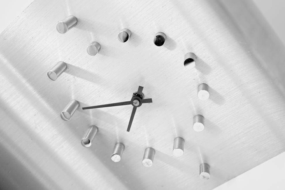 Les Coups de Coeur - Horlogerie - Pendule Moderne en Acier Brossé