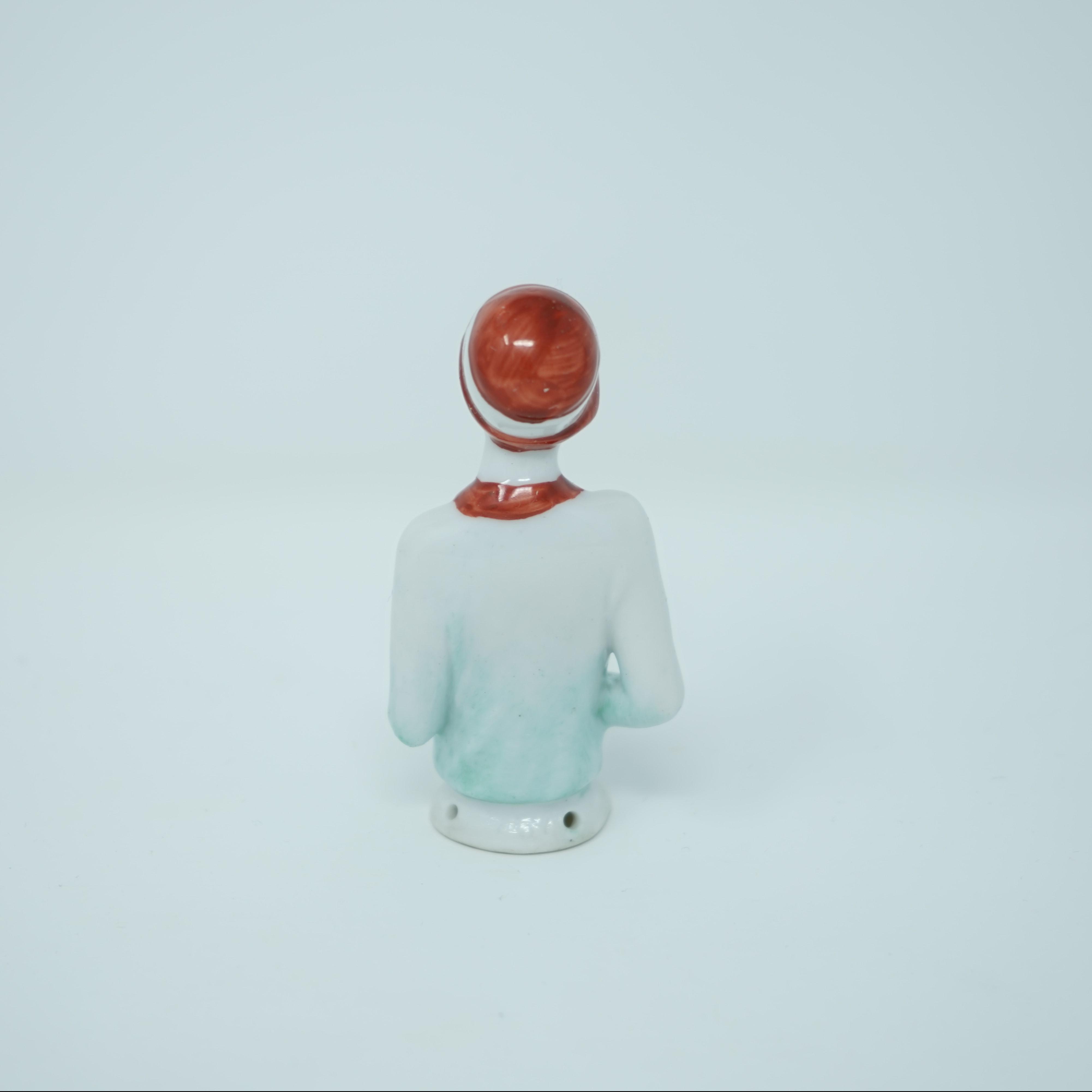 Demie-Figurine en Porcelaine Années 20 dos