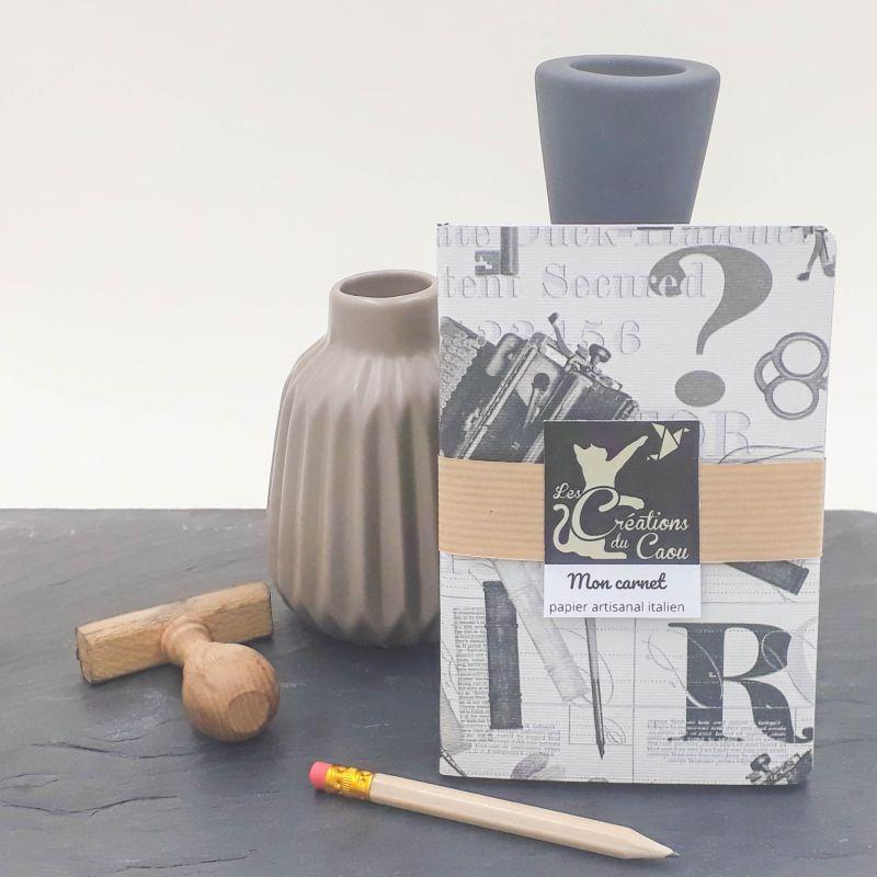 carnet A6 papier italien gris blanc noir thème bureau