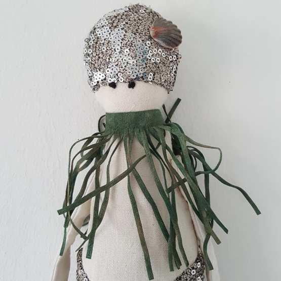 poupée sirène , Esther, sirène, création textile, Frédérique Petit, pièce unique, poupée décorative,