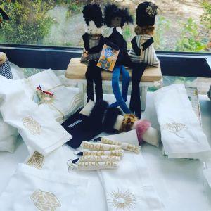petit linge brodé et poupées rock, créations textiles, craft, Fred Petit, made in france