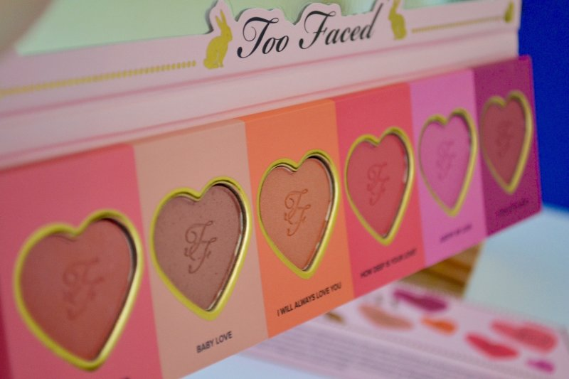 palette-love-flush-too-faced-revue