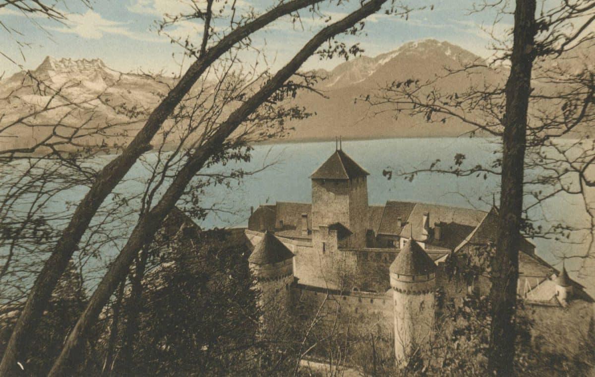 Carte postale. Château de Chillon, le Grammont et les Dents du Midi