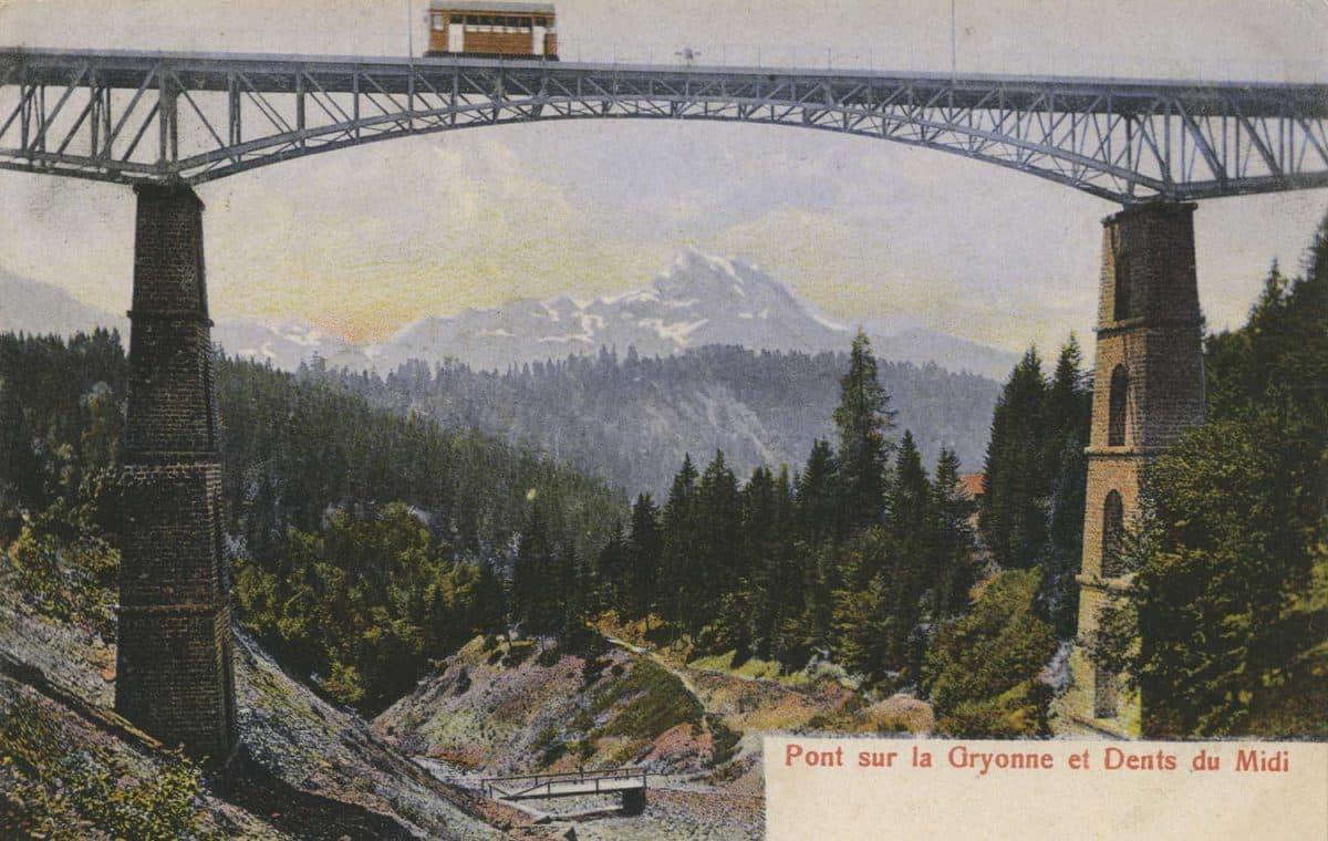 Carte postale. Pont sur la Gryonne et Dents du Midi