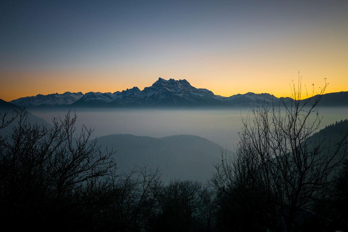 Coucher de soleil sur les Dents du Midi depuis Leysin. © Fabrice Ducrest