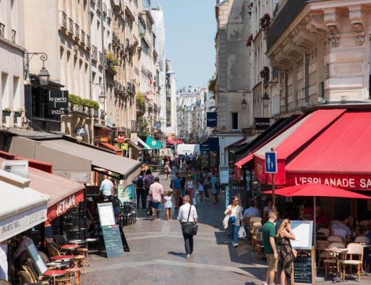 L'emblématique rue Montorgueil - Lesdeuxchouettes.fr