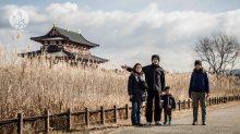 Avec nos guides : un moine bouddhiste, sa femme et leur fils