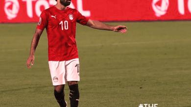 Photo de Salah enrhumé, son coach le ménage