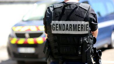 Photo de France: Une femme voilée poignardée en pleine rue