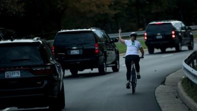 Photo de Son doigt d'honneur à Donald Trump, propulse la cycliste à un poste politique