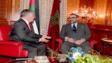 Photo de Le roi Mohammed VI félicite le roi Abdallah II