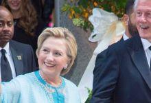 Photo de Hillary Clinton pose en caftan