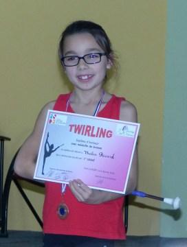 Remise de diplôme pour Thalia pour son 1er degré au twirling led79