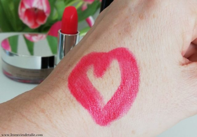 Swatch du rouge attirance Dashing Elissance