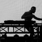 DJ aux platines pour mettre le feu à vos soirées