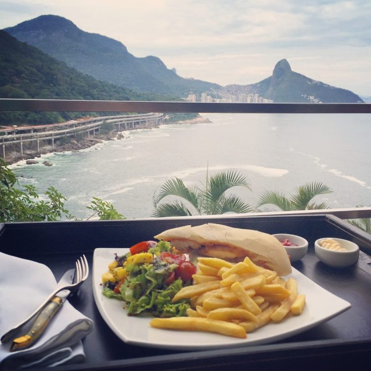 lunch-rio-roomview
