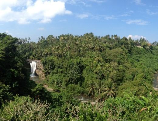 les Tegenungan Waterfalls près d'ubud